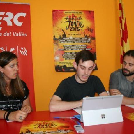 Membres de les JERC Cerdanyola i en Gerard Gómez en roda de premsa el passat dijous 25 de Juny.