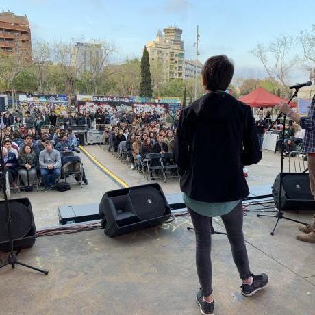 La candidata al Congrés, Marta Rosique, i el candidat a les europees, Marc Casanova, van recordar les grans mobilitzacions juvenils com l'1O, el 8M o les mobilitzacions pel clima per reclamar una massiva participació juvenil a les urnes