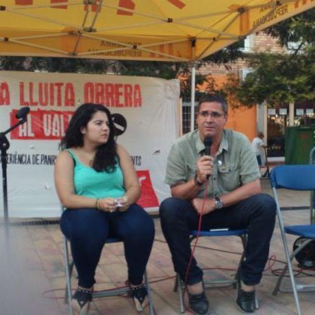 Glòria Llobet, la portaveu local, va obrir l'acte amb la participació de treballadors de PANRICO