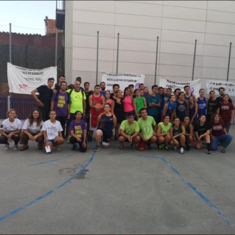 Foto de família dels equips participants del torneig.