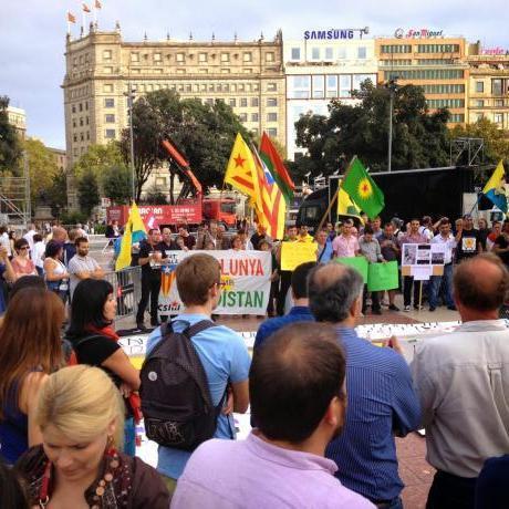 Concentració en suport al poble Kurd
