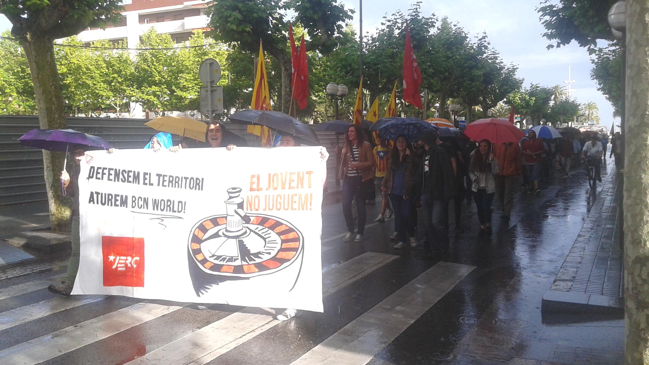 El bloc de les JERC a la manifestació a Salou