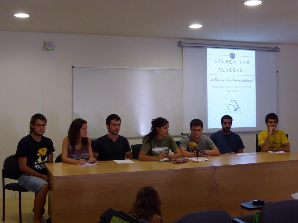 Roda de premsa de presentació d'Estudiants 9N