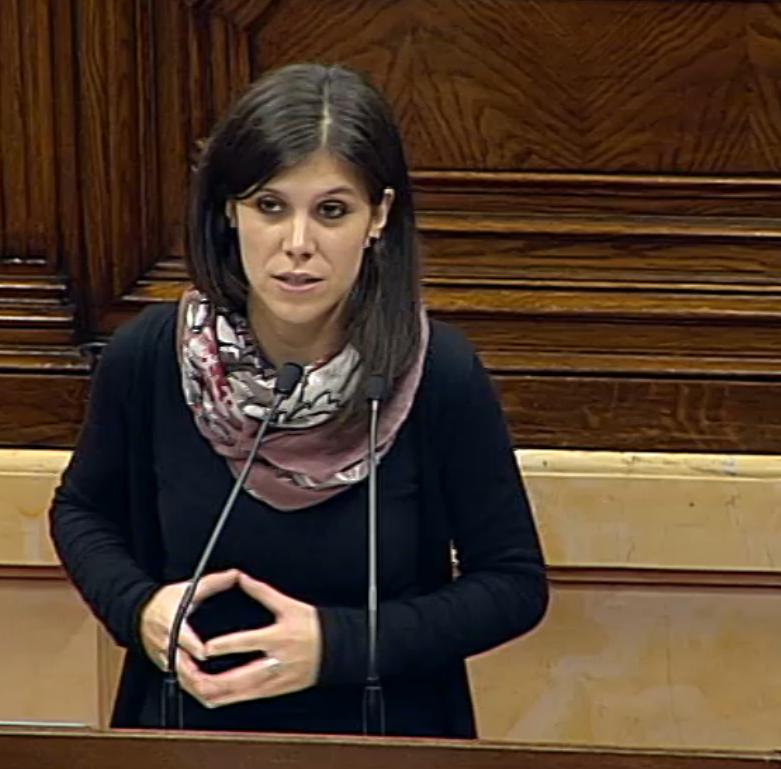 Marta Vilalta presentant la moció
